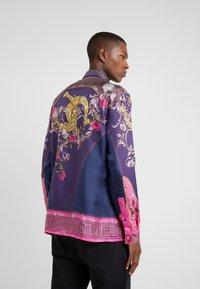Versace Collection - CAMICIE TESSUTO - Camicia - rosa scuro - 2