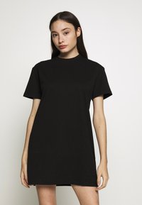 Missguided Petite - BASIC TSHIRT DRESS 2 PACK - Žerzejové šaty - black/tan - 3