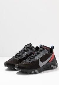 Nike Sportswear - REACT ELEMENT 55 - Tenisky - off noir/gunsmoke/black/universe red - 3