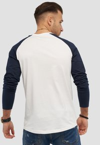 Jack & Jones - MIT RAGLANÄRMELN  - Long sleeved top - white - 2