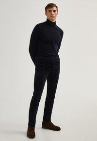 Massimo Dutti - Chinos - dark blue - 5