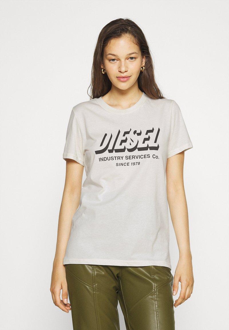 Diesel - SILY - Print T-shirt - off white