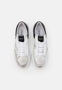 Steve Madden - STROY - Sneakersy niskie - white - 3