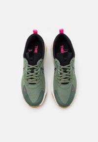 Nike Sportswear - SKYVE MAX UNISEX - Sneakers - spiral sage/black/sail/light brown/pink blast - 3