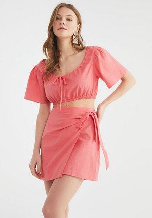 SET - Wrap skirt - pink
