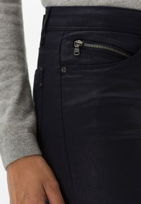 BRAX - STYLE SHAKIRA - Jeans Skinny Fit - clean navy - 3