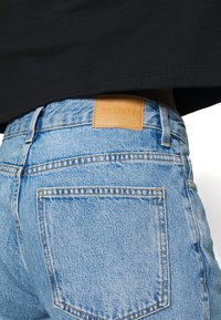 Weekday - RAIL  - Jeans relaxed fit - pen blue - 4