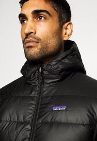 Patagonia - HOODY - Down jacket - black - 4