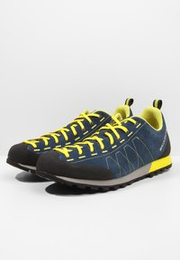 Scarpa - HIGHBALL   - Hiking shoes - ocean/bright yellow - 2