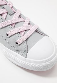 Converse - CHUCK TAYLOR ALL STAR SPARKLE LACE - Sneakers - wolf grey/pink foam/white - 2