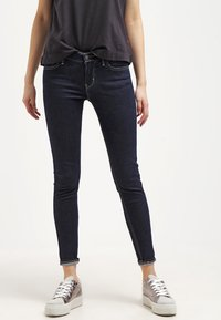 Levi's® - 710 INNOVATION SUPER SKINNY - Jeans Skinny Fit - dunkelblau - 0