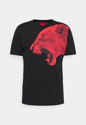 DENBEI - Print T-shirt - black