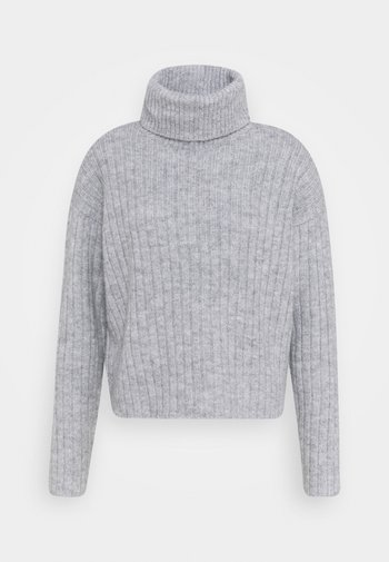RIBBED BOXY TURTLE NECK