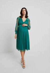 Anaya with love Maternity - LACE YOKE WITH LONG SLEEVES - Vestido de cóctel - emerald green - 2