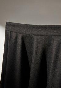 Massimo Dutti - MIT ZACKEN AM SAUM - Spódnica trapezowa - dark grey - 6