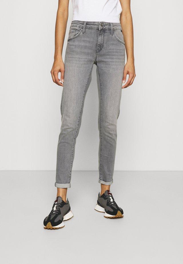 LEXY - Slim fit jeans - light grey
