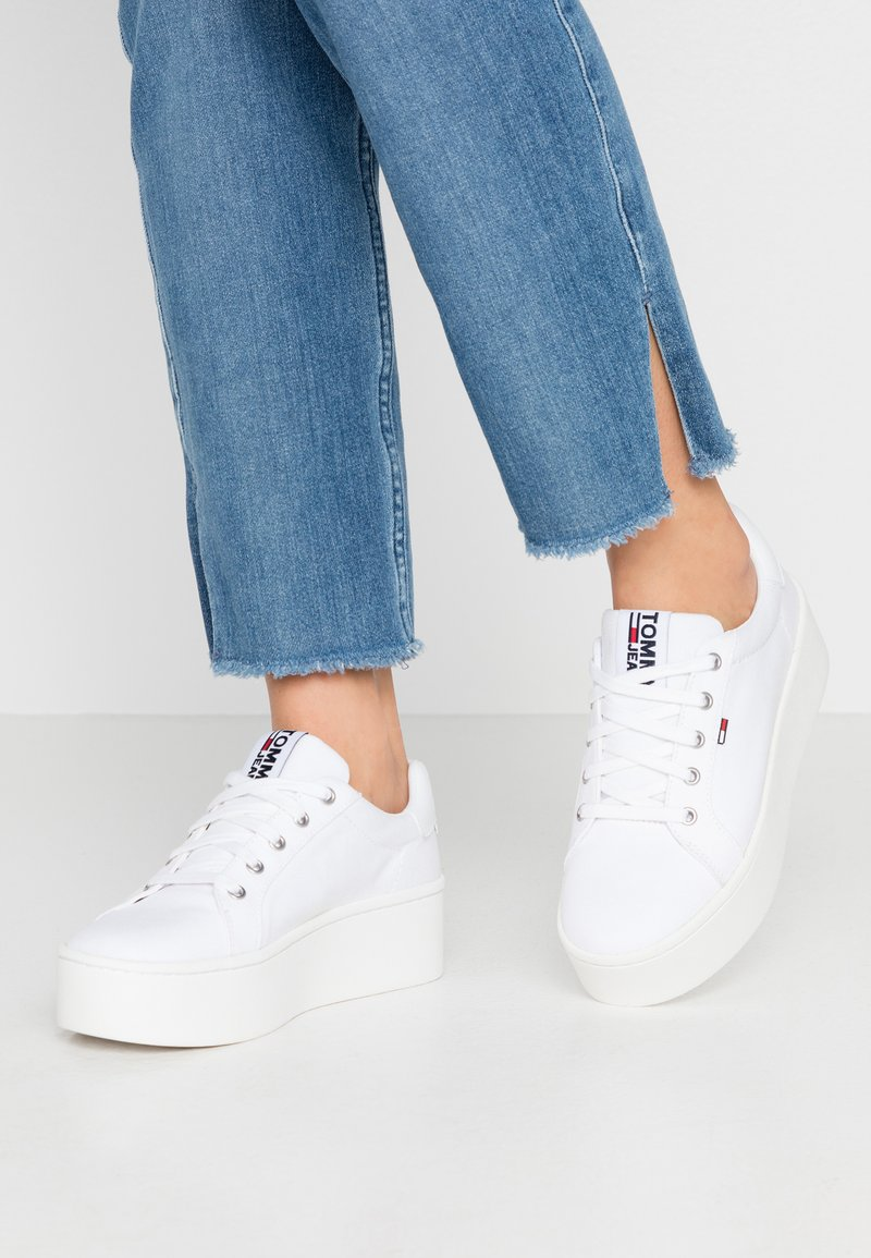 Tommy Jeans - ROXIE - Joggesko - white