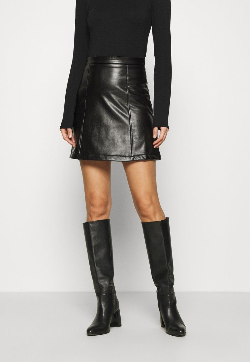 Anna Field - PU leather mini skirt - Minisukně - black