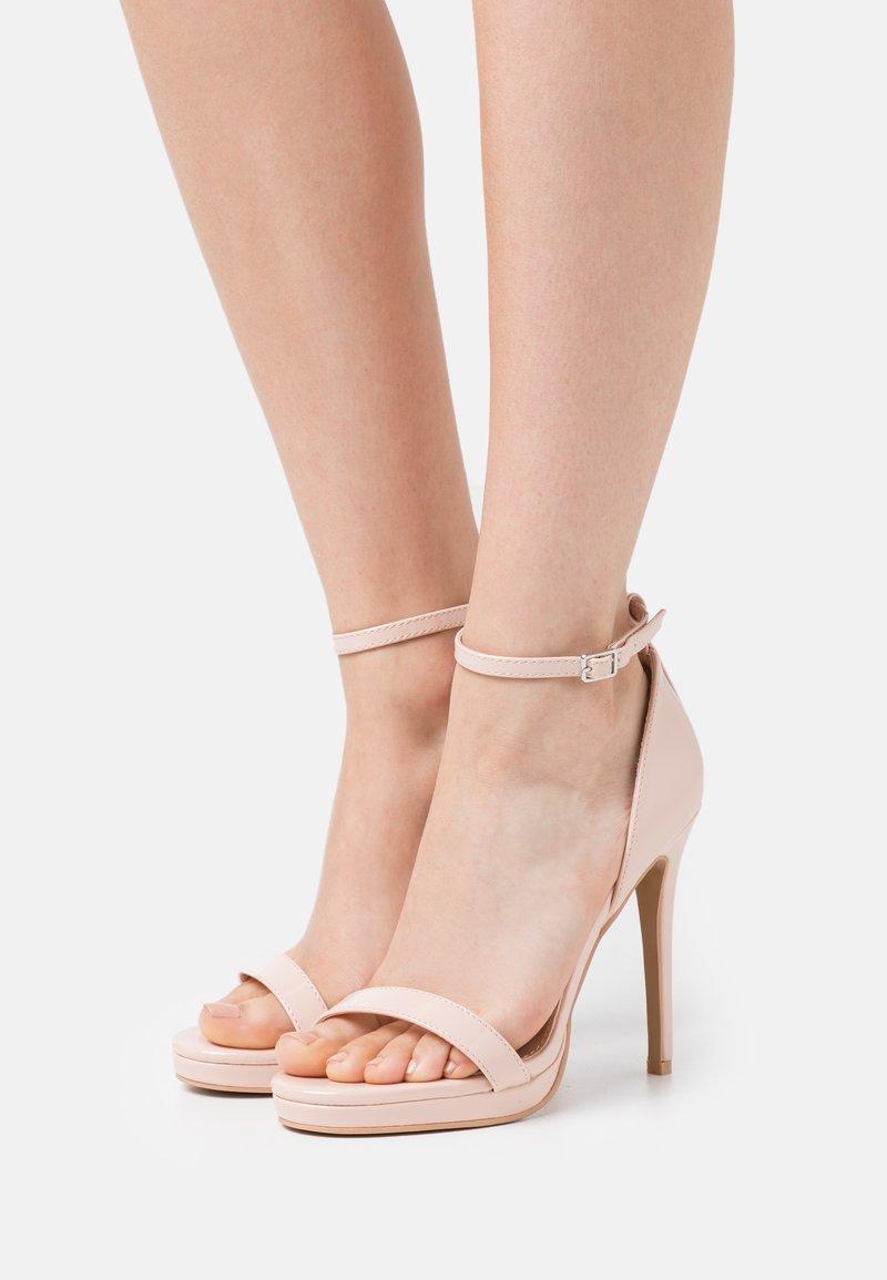 RAID Wide Fit - WIDE FIT CRESSIDA - Platform sandals - nude