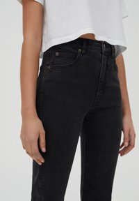 PULL&BEAR - SLIM MOM - Jeans slim fit - black - 3