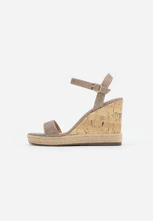PERTH  - Sandales à talons hauts - gold