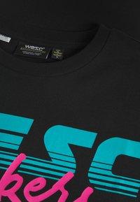 WeSC - MASON SLACK  - Print T-shirt - black - 2