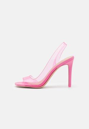 AMAYAA - Sandaalit nilkkaremmillä - pink