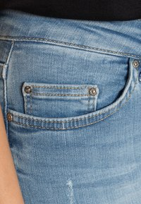 ONLY - ONLBLUSH - Jeans Skinny Fit - light blue denim - 4