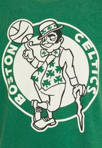 Mitchell & Ness - NBA BOSTON CELTICS WORN LOGO WORDMARK TEE - Print T-shirt - green - 2