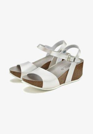 Wedge sandals - silberfarben