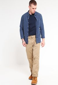 Carhartt WIP - SIMPLE DENISON - Trousers - sand - 1