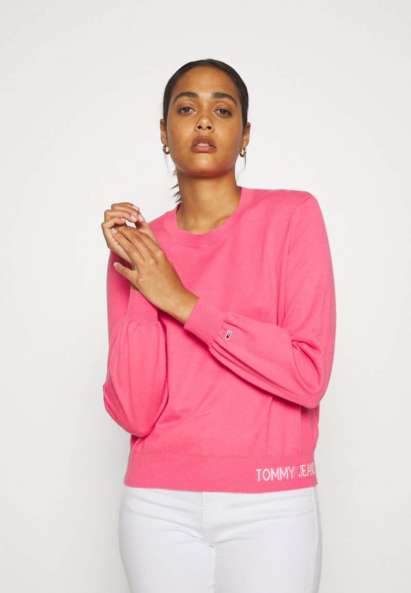 Tommy Jeans - FINE CREW NECK SWEATER - Jumper - glamour pink