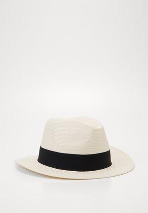 IVEN - Hat - barley