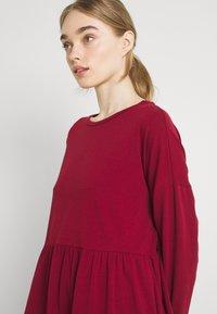 Noisy May - NMKERRY DRESS - Vestito di maglina - rhubarb - 3
