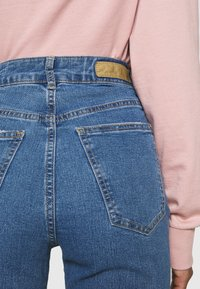 Cotton On - VINTAGE FLARE - Flared Jeans - coogee blue - 6