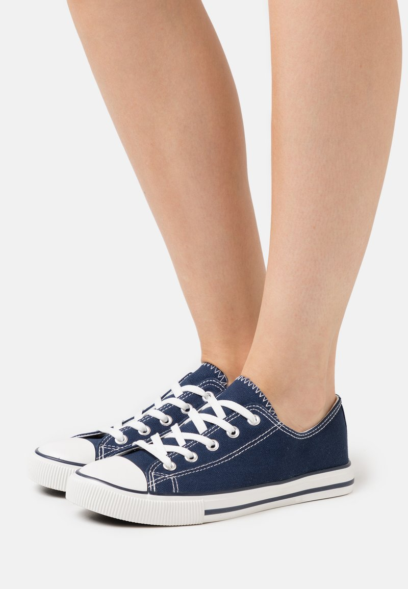 New Look - MARKED TOE CAP TOP UP - Trainers - navy