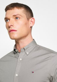 Tommy Hilfiger - SLIM STRETCH - Overhemd - grey - 4