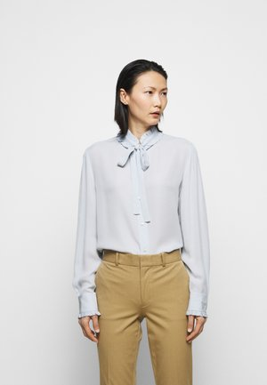 Blouse - pearl blue