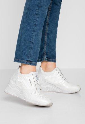 Sneakers laag - weiß/silber