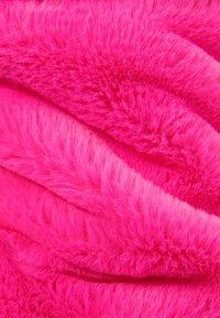 Bershka - MIT KAPUZE - Fleecová bunda - neon pink - 5