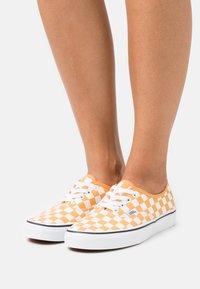Vans - VANS AUTHENTIC X OPENING CEREMONY - Sneakers - golden nugget/true white - 0