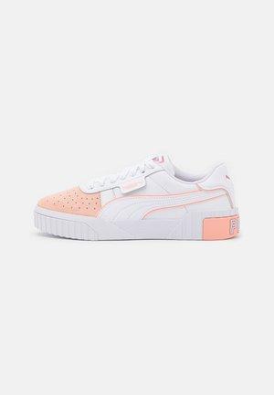 CALI LAYER REMIX  - Baskets basses - white/apricot blush/sun kissed coral
