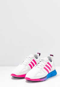 adidas Originals - ZX 2K FLUX - Trainers - crystal white/shock pink/blue - 4