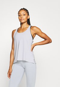Under Armour - KNOCKOUT TANK - T-shirt de sport - halo gray - 0