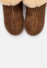 Shepherd - BELLA LEOPARD - Slippers - antique cognac - 5