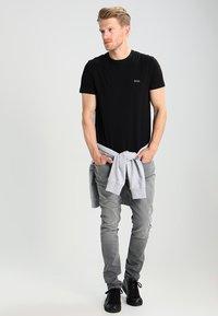 BOSS - Basic T-shirt - black - 1