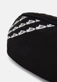 adidas Originals - WAISTBAG UNISEX - Bum bag - black - 3