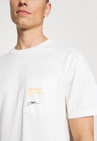 GAP - SURF GRAPH  - Print T-shirt - porcelain - 5