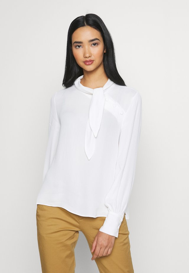 ADENA SHORT TIE NECK BUTTON BLOUSE - Pusero - porcelain