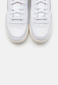 Reebok Classic - CLUB C 85 - Trainers - white/alabas/chalk - 5